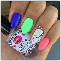 """Day 4 for #clairestelle8may is Dots. Did this fun and simple mani using @chinaglazeofficial from the lite brite collection """"I Got A Blue Attitude"""" """"Lime After Lime"""" and """"Lip Smackin' Good"""" with @sally_hansen """"White On"""" and topped with @glistenandglow1 #hkgirltopcoat #glistenandglow #chinaglaze #cgclique #sallyhansen #dotticure #neonnails by _nicolerai_"""