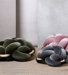 How do you feel about knots? Rather, it's decorative knots that have us in a twist. The intricacy of the Knot Cushion, Knot Pillow, Diy Furniture, Furniture Design, Decorative Knots, Diy Pillows, Cushions, Textile Design, Diy Home Decor