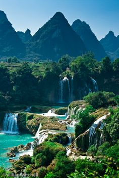 Detian Falls, Daxin County, Guangxi, China