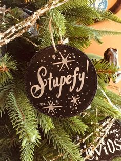 "Harry Potter inspired ""Stupefy"" sign ornament teacher gift - DIY Gifts For Home Ideen Harry Potter Christmas Decorations, Harry Potter Christmas Tree, Hogwarts Christmas, Harry Potter Decor, Harry Potter Facts, Diy Christmas Tree, Christmas Night, Christmas 2019, Harry Potter Weihnachten"
