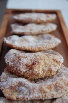 Tämä ohje on K-ryhmän ilmaislehtisestä viime joulun alta. Nämä ovat helppoja ja nopeita tehdä ja tosi hyviä, jos vaan l... Savoury Baking, Bread Baking, Salty Foods, Sweet Pastries, Joko, Sweet Desserts, Smoothie Recipes, Food Inspiration, Baking Recipes