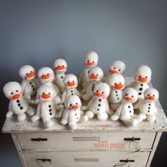 welcome to 'mARTi creates' fiber art dolls & artist teddy bears created with great joy and attention to little details Felt Snowman, Cute Snowman, Fun Crafts, Diy And Crafts, Felt Christmas Decorations, Felt Mouse, Christmas Characters, Felt Hearts, Felt Diy