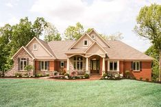 New house plans brick and stone front elevation ideas Craftsman Style House Plans, Ranch House Plans, New House Plans, House Floor Plans, L Shaped House Plans, Brick House Plans, Craftsman Homes, One Level Homes, One Story Homes