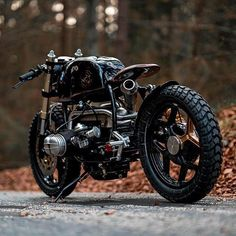 Our favorite angle of @nctmotorcycles BMW R100. What's your favorite part? . Photo by @pege78. . . . #croig #caferacersofinstagram #caferacer