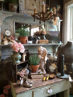 Vintage Mantle, Mantle Mirror, Garden Theme, Furniture For You, Vignettes, Unique Gifts, Table Settings, New Homes, Designers