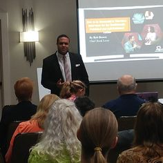 Full house this morning at #authorsmarketing in #Houston for where @forbookloversonly15 is sharing important #insights for #authors and #entrepreneurs regarding #marketing  #revo #succesrev #hiddenpower