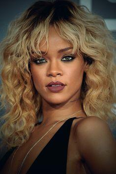 """Rihanna Said."""" Have Ma' Money"""" Estilo Rihanna, Rihanna Riri, Rihanna Style, Rhianna Hairstyles, Afro Hairstyles, Rihanna Looks, Rihanna Outfits, Jenifer Lawrence, Bombshell Beauty"""