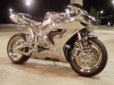 Motorcycle in chrome. I'm not a biker chick, but if I was, this would be the bike of choice! Ducati, Yamaha R1, Yamaha Motorbikes, Course Moto, Yzf R125, Motorcycle Cover, Motorcycle Touring, Motorcycle News, Motorcycle Jackets