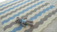 Baby set  crochet waves blanket and amigurumi by pontinhosmeus, €40.00