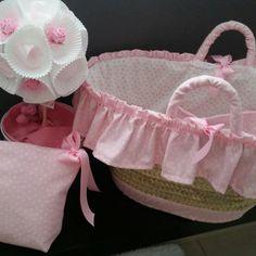 Pink basinnet,  babyshower basket