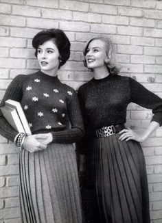 1950s style day wear casual pleated skirt sweater college girl vintage fashion hair belt