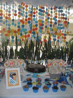 Festa Rio - Arara Blu - Painel de confetes coloridos - Carnaval