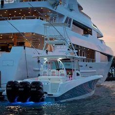 www.ebarche.it stiamo dirottando il sito e network verso yacht e superyact in fase di sviluppo... SEGUITECI