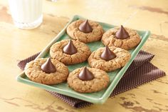 Check out this Peanut Butter Chocolate Drop Cookies recipe.  These look so pretty.  I am going to attempt making this week.