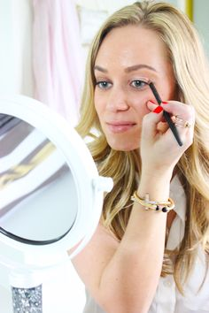How to apple the Covergirl Bombshell Collection