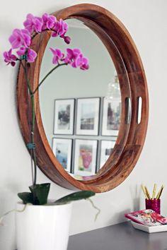 15 unique DIY mirror ideas (with tutorials) Ikea Mirror, Diy Mirror, Mirror Ideas, Farmhouse Mirrors, Rustic Mirrors, Diy Photo, Diy Crafts Love, Driftwood Mirror, Idee Diy