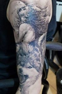 moon_with_a_beautiful_woman_and_wolf_tattoo_on_arm.jpg (200×301)