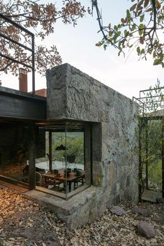 The combination of stone and glass is unusual and that's one of the details which make the cabin special Office houses design plans exterior design exterior design houses home architecture house design houses Cabin Design, Modern House Design, Design Design, Loft Design, Architecture Design, Windows Architecture, Natural Architecture, Landscape Architecture, Classical Architecture