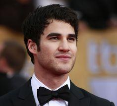 Darren Criss : L'acteur de « Glee » pose entièrement nu !