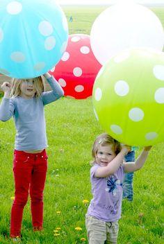 XXL Polkadot ballon blauw of roze 80 cm