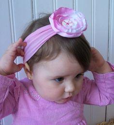 Headband de malha e flor de tecido com botão R$10,00