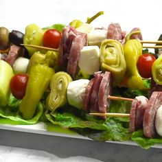 Antipasto Skewers This antipasto skewers recipe is the perfect lazy day Italian appetizer. They can easily be made from store bought pickled items or from your pantry stash! Easy to eat and very delicious! - Everything About Appetizers Antipasto Skewers, Skewer Appetizers, Skewer Recipes, Antipasto Platter, Best Appetizers, Appetizer Recipes, Italian Appetizers Easy, Individual Appetizers, Kabobs