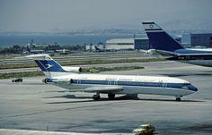 9K-AFA B.727-269 Advd Kuwait Airways Boeing 727, Boeing Aircraft, Air Plain, Vintage Airline, Air Photo, Civil Aviation, World Pictures, Bus, North Africa