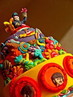 Yellow Submarine cake / Beatles Bolo Dos Beatles, Beatles Cake, Beatles Party, Pretty Cakes, Cute Cakes, Beautiful Cakes, Amazing Cakes, Yellow Submarine Cake, Love Cake