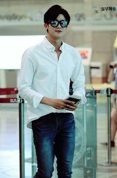 Park Hyung Sik | 박형식 | ZE:A | Child of Empire | D.O.B 16/11/1991 (Scorpio)..handsome as always.. hemmm Park Hyung Sik, Korean Men, Asian Men, Korean Actors, Park Hyungsik Cute, Oppa Gangnam Style, Joon Park, Do Bong Soon, Skinny Fashion