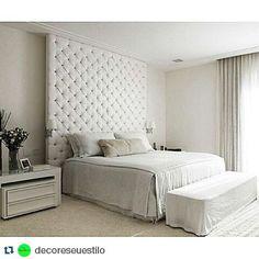 Inspire-se nesse lindo quarto!  . #Repost @decoreseuestilo with @repostapp  Boa noite! Quarto dos sonhos... By @robertomigotto . #arquiteto #arquitetura #ambiente #archdecor #archtecture #archdaily #archdesign #archlovers #arquiteturadeinteriores #home #homedecor #homestyle #homedesign #interiores #quartodecasal #suitecasal #bedroom #allwhite #instahome #instadecor #instadesign #interiordesign #design #style #detalhes #decoreseuestilo #decorhome #desingdecor #decoraçãodeinteriores by…