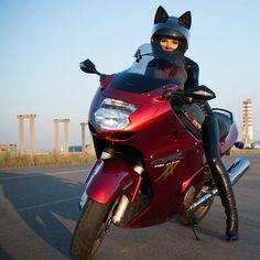 Женские мотошлемы с ушками от российского производителя  мотошлем, ушки