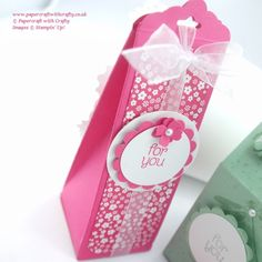 Linda Parker UK Independent Stampin' Up! Demonstrator from Hampshire @ Papercraft With Crafty : Scalloped Tag Topper Punch Treat Box Craft Packaging, Pretty Packaging, Treat Holder, Treat Box, Stampin Up, Creative Box, Envelope Punch Board, Paper Gifts, Craft Tutorials
