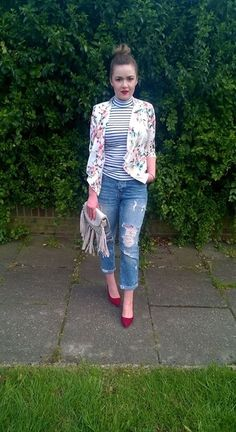 Fresh look/flowered blazer/red heels/ripped jeans/ stripes and flowers