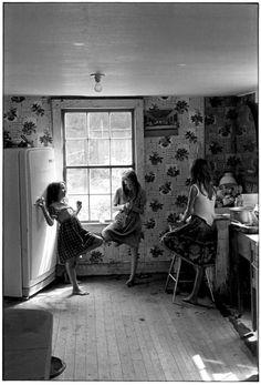 The Cornett family, Kentucky Three Sisters Peeling Potatoes by William Gedney, 1964