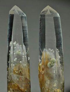 Chlorite Spheres in Quartz Crystals