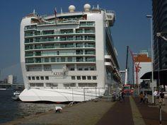 P&O Azura Ship review - Holidaymag