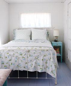 simple, cozy bedroom