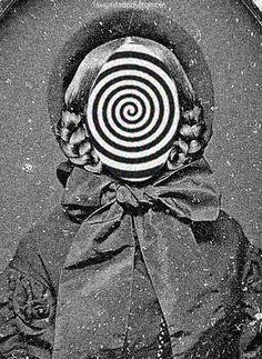 #gif #animatedgif #blackandwhite #spiral #surreal #collage #digitalart #faceless #facelessfetish