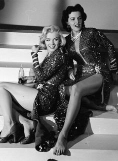 Marilyn Monroe and Jane Russell during a rehearsal for Gentlemen Prefer Blondes,