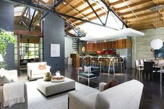 Extraordinary loft conversion in San Francisco. The former Smitty Knitting Factory was converted in 1998 by renowned Bay Area architects Abrams & Milliken