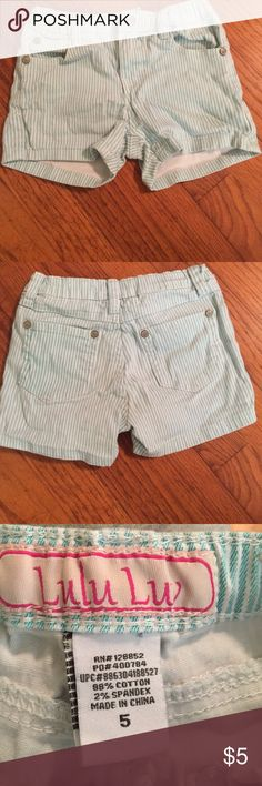 Lulu Luv Shorts Green and white striped shorts. Adjustable waist with buttons. Lulu Luv Bottoms Shorts