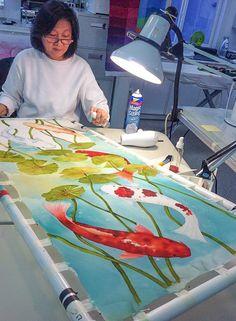 Darika Windsor from Thailand Koi Painting, Painting Process, Fabric Painting, Fabric Art, Painting Techniques, Koi Art, Painting Workshop, Silk Art, Painting Inspiration