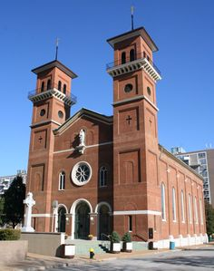 John the Apostle and Evangelist Church - City Landmark The present current church was built in 1860 by either William Fulton or Thomas Walsh. The building is designed in the Lombardian Romanesque style. Cathedral Basilica, Catholic Churches, St Louis Mo, Church Building, Brick And Stone, Romanesque, Cathedrals, School Design, Baby Showers