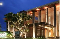 Part 1: Slight Mixup Upon Arrival in Bangkok - or is that Hua Hin? Pictured: Rest Detail Hotel in Hua Hin, Thailand.