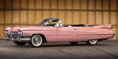 1959 Cadillac convertable used in the 1989 Clint Eastwood flick Pink Cadillac.originally white from the factory, it was painted pink for the movie. Still exist, in private ownership. 1959 Cadillac, Rosa Cadillac, Cadillac Series 62, Pink Cadillac, Cadillac Eldorado, Cadillac Escalade, Cabriolet, Us Cars, Car Photos