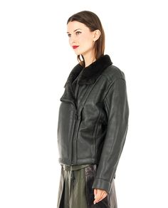 PETAR PETROV Green leather jacket fur neck and lining long sleeves two hidden side pockets cross zipper closure 100% Leather  100% WM