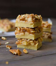 These 2 layer Apple Pie Bars taste just like your favorite fall pie in a delicious square!! Paleo and Vegan, but no one will ever know! We are officially kicking off the fall eating season with today's version of Apple Pie Bars!! Everyone will go absolutely nuts over these 2 layers of perfection; a sweetened... Get the Recipe
