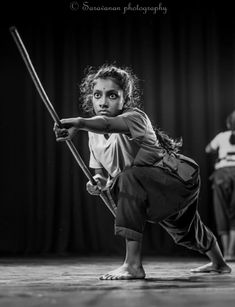 Kalaripayattu, traditional martial art of Kerala Best Picture For Martial Arts tattoo For Your Taste Martial Arts Quotes, Martial Arts Styles, Martial Arts Techniques, Action Pose Reference, Pose Reference Photo, Art Reference Poses, Indian Martial Arts, Martial Arts Women, Kali Martial Art