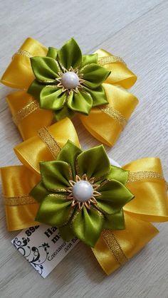 Photo Ribbon Art, Diy Ribbon, Ribbon Crafts, Ribbon Bows, Ribbons, Cloth Flowers, Diy Flowers, Fabric Flowers, Fabric Flower Brooch