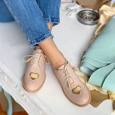 ABO® • Handmade Shoes & Bags (@abo_shoes) • Instagram photos and videos Quirky Shoes, Winter Shoes, Cute Woman, Low Heels, Oxford Shoes, Flats, Shoe Bag, Pattern, Oxfords